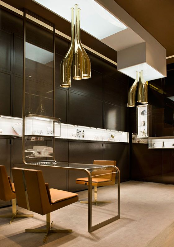 Exceptional jewellery shop design in Milan – Faraone jewellery boutique | Pursuitist. Really like the minimalism look to this shop, and also the colours make it feel really luxurious and intimate.