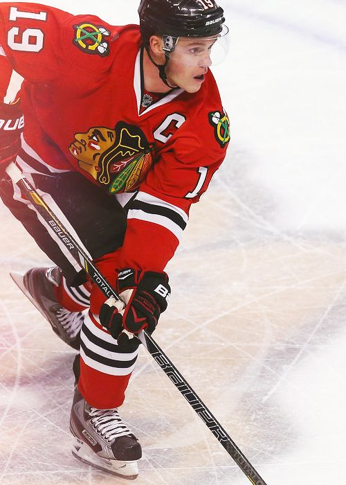 Jonathan Toews, Chicago Blackhawks please follow me,thank you i will refollow you later