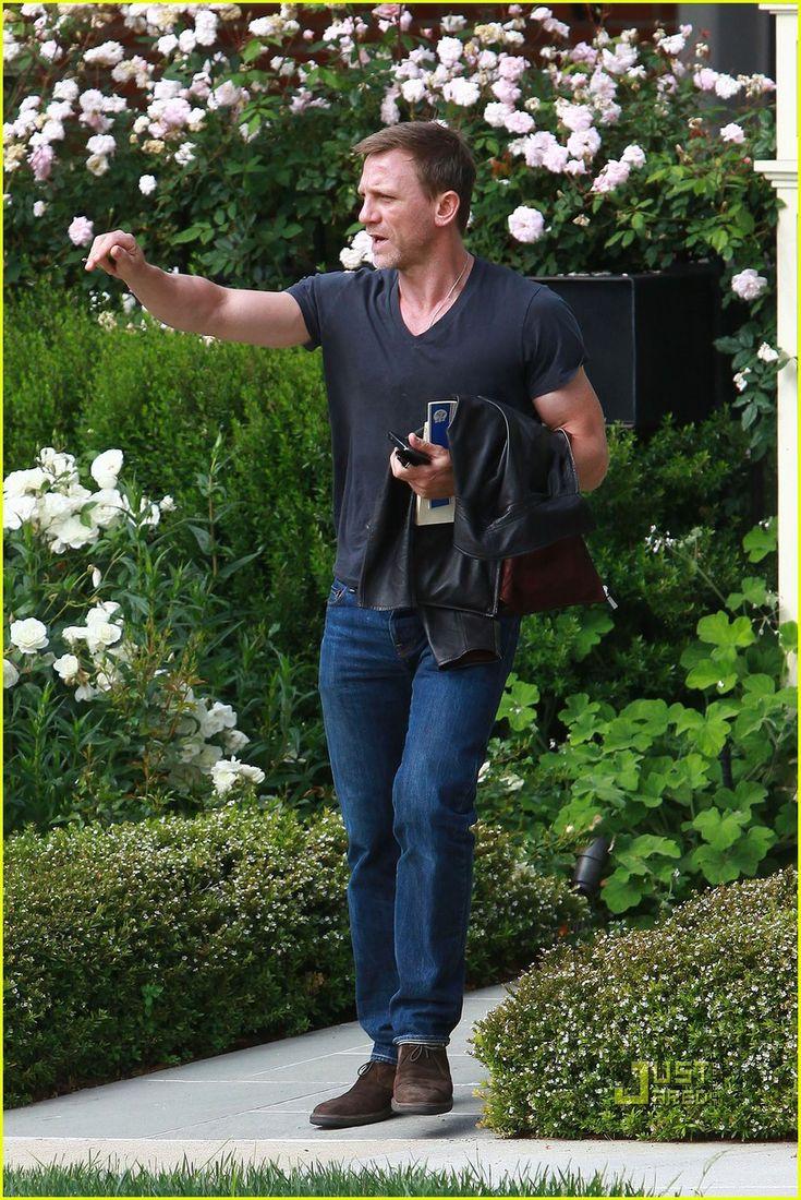 Daniel Craig Reads 'The Royal Hunt of the Sun'