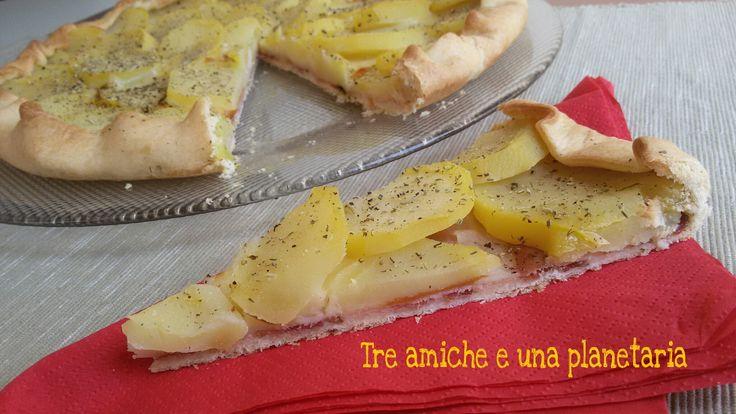 Torta salata speck, provola e patate