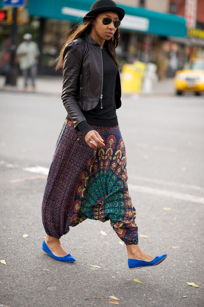 Printed pants...never was a huge fan of this style but I love this look!
