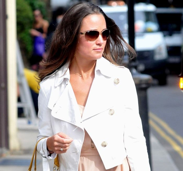 Pippa Middleton makes her way to a local Tesco supermarket in London on August 22, 2011