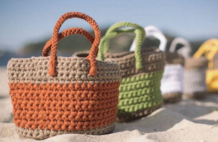 Kijk wat ik gevonden heb op Freubelweb.nl: een gratis haakpatroon van Katia om een mooie strandtas te maken met textielgaren https://www.freubelweb.nl/freubel-zelf/gratis-haakpatroon-strandtas/