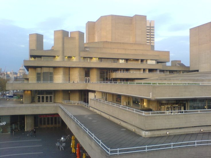 AD Classics: Royal National Theatre / Denys Lasdun