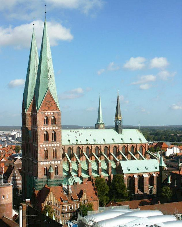 http://upload.wikimedia.org/wikipedia/commons/f/ff/%C3%89glise_Sainte-Marie_de_L%C3%BCbeck.jpg The Lutheran Marienkirche (St. Mary's church) in Lübeck (German: Lübecker Marienkirche or officially St. Marien zu Lübeck: St. Mary's of Lübeck) was constructed between 1250 and 1350.