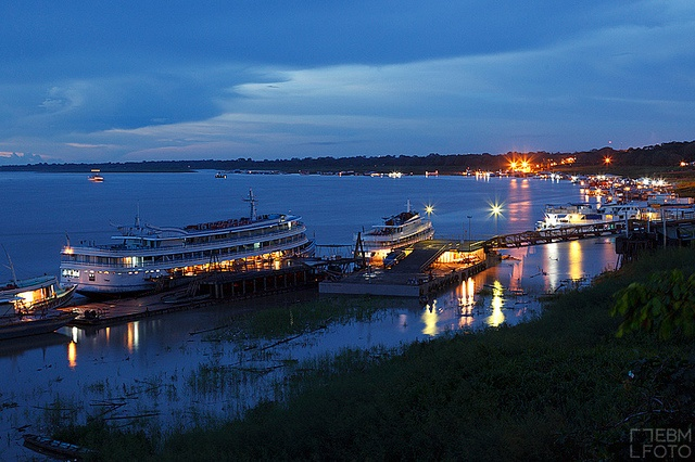 Puerto de Tabatinga. Amazonas by ebmfoto.com