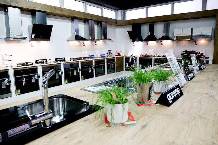 Razstavni eksponati v Danstudiu Celje, kjer si lahko podrobneje ogledate več kot 50 gospodinjskih aparatov znamke Gorenje, Simfer, Bosch, Faber, Beko, Alveus, Apell...