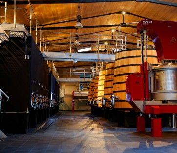 Vous voulez découvrir un sublime cuvier? Venez visiter le château Fourcas Hosten en réservant votre visite sur Wine Tour Booking