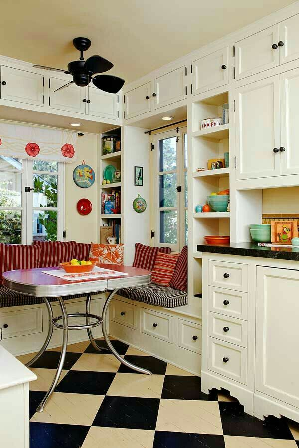 1940's built in dining nook