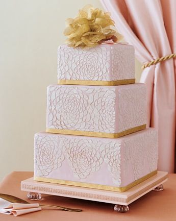 Pink & Gold wedding cake - very elegant!....would be pretty in just white and gold!