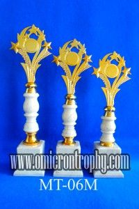 Jual Trophy Piala Penghargaan, Trophy Piala Kristal, Piala Unik, Piala Boneka, Piala Plakat, Sparepart Trophy Piala Plastik Harga Murah Jual Piala Trophy Untuk Perlombaan