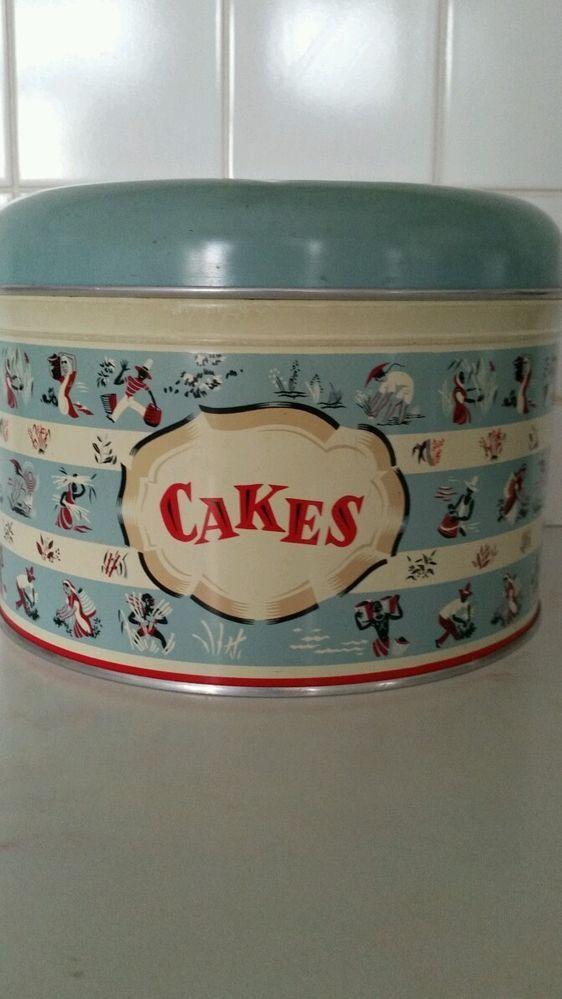 WORCESTER WARE VINTAGE KITCHENALIA CAKE TIN