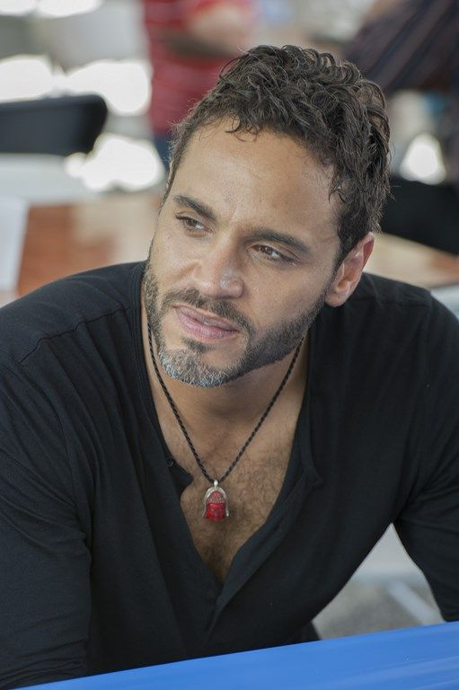 Graceland Interview: Daniel Sunjata and Aaron Tveit on Mike and ...