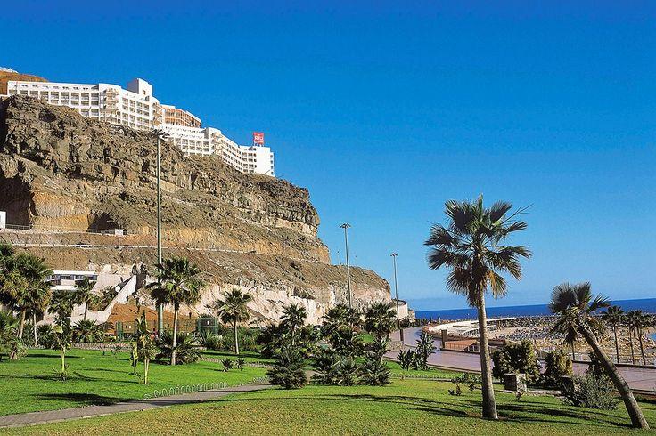 ClubHotel Riu Vistamar on All Inclusive -hotelli Gran Canarialla. Hotelli sijaitsee korkealla kalliolla hienon Amadoresin rannan ja Puerto Ricon välissä, ja kaikista huoneista on merinäköala. Allasalueilla on lämmitetyt altaat, ja allasravintolasta näkyy Atlantille aina horisonttiin asti. Samanlainen näköala avautuu myös omalta parvekkeeltasi tai terassiltasi! http://www.finnmatkat.fi/riu-hotelli?utm_source=Haat_fi&utm_medium=banner&utm_campaign=w1516_RIU&dclid=CKHNkt6p-sQCFQY2cgodtFoAIg