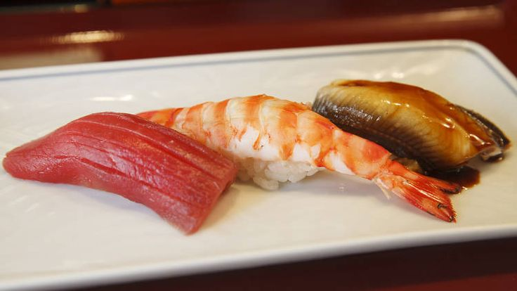 Our self-confessed 'sushi-bar otaku' picks out 10 restaurants serving the best sushi in Tokyo for first-timers