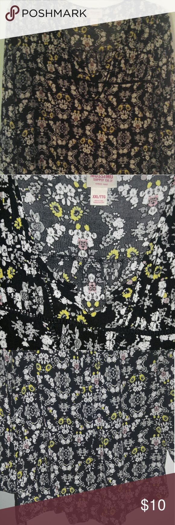 Ladies blouse Flowery and flowy. Comes to the hip. Its a size XXL but fits more like a large. Looks cute with a longer cami under it with some leggings. Mossimo Supply Co Tops Blouses