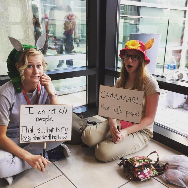 Llamas with hats cosplay was a nice touch to the... - A title? Idk, I'm not that creative.