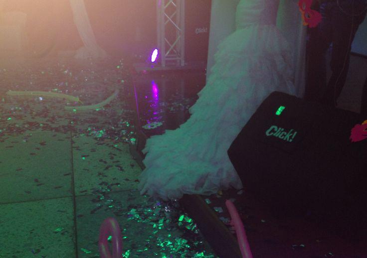 Hora Loca - Ofrecemos todo que necesitan para realizar un evento perfecto en Cali.  Sonido Profesional, Iluminación y efectos especiales, Ayudas Audiovisuales, Barras Cocteleras, Mesas y sillas tipo Bar para Fiestas Empresariales, Celebraciones, Matrimonios, 15 años y más.