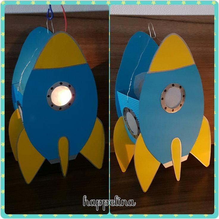 Lanterna di cartoncino colorato Razzo