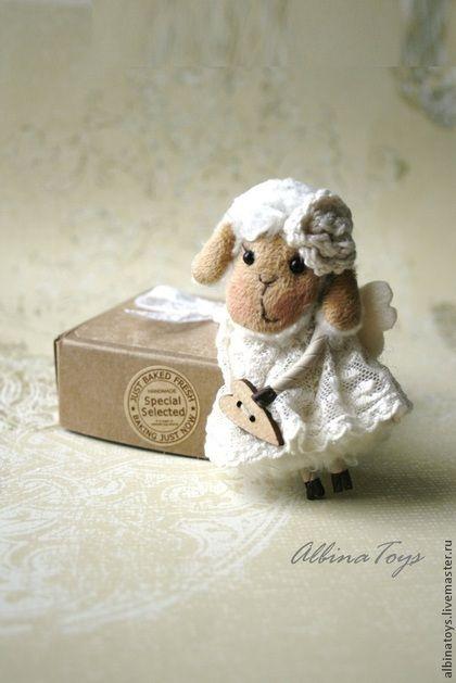 Брошь Ангелок Молочная овечка. Новогодний подарок. - бежевый,брошь,текстильная брошь
