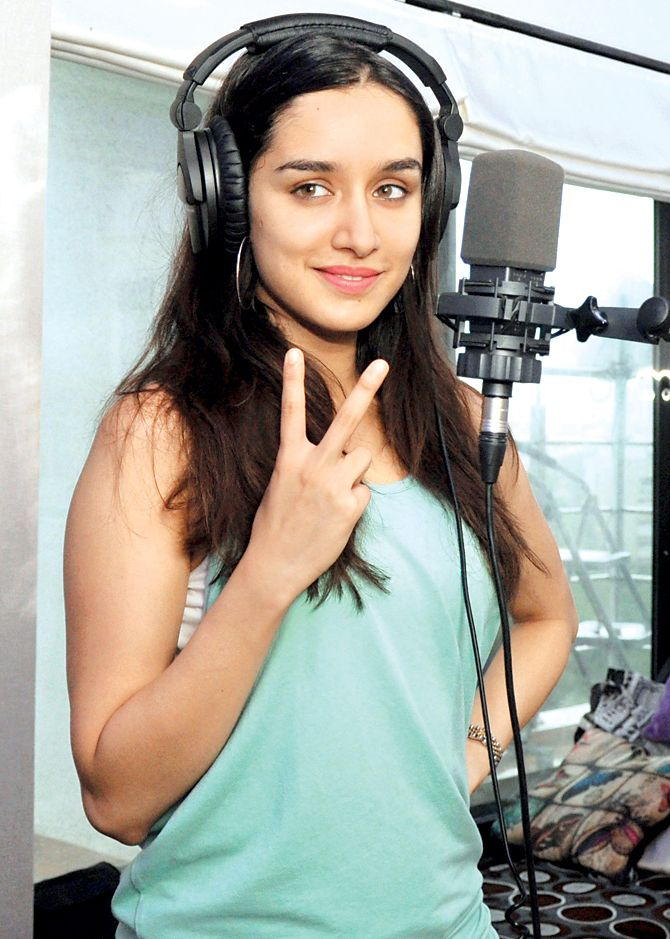 Shraddha Kapoor records unplugged version of Bezubaan-Phir Se. #Bollywood #Fashion #Style #Beauty