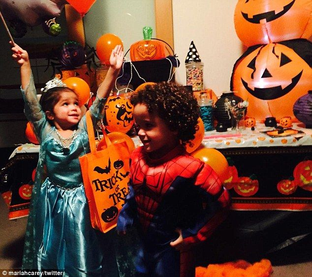 Trick or treat!Mariah Carey's twins Monroe and Moroccan are celebrating the holiday in Au...