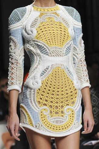 https://i.pinimg.com/736x/4d/76/9c/4d769c19c68c079bba02577d963ad920--fashion-details-fashion-design.jpg