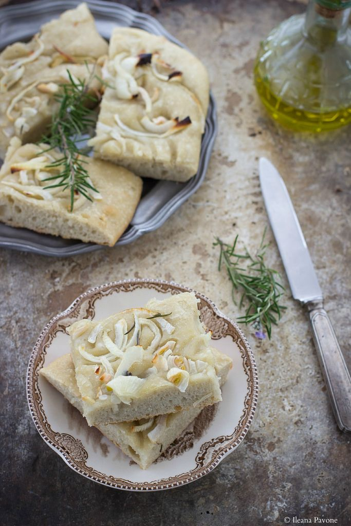Focaccia con cipolle a lievitazione naturale