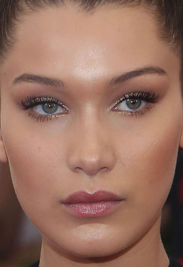 Close-up of Bella Hadid at the 2015 Met Ball. http://beautyeditor.ca/2015/05/06/met-ball-2015