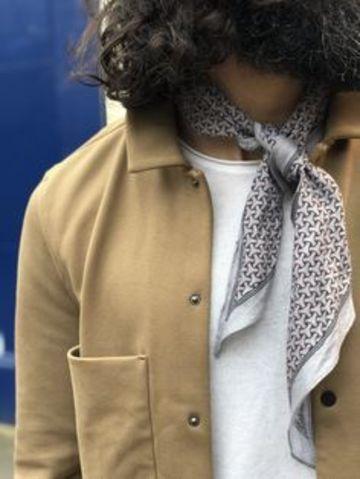 bcf158c52 Cómo llevar pañuelos de cuello para hombre para toda ocasión   great ...