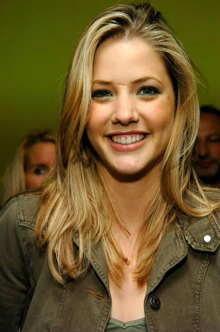 1000 Images About Julie Gonzalo On Pinterest 25th