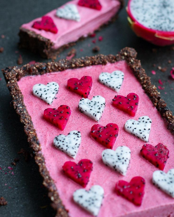 """7,564 Likes, 213 Comments - 🌺 Jo 🌺 (@healthyeating_jo) on Instagram: """"Pink Pitaya Tart 💖💖💖 Recipe below 💖 These are known as Dragonfruit in Australia, but most of you…"""""""