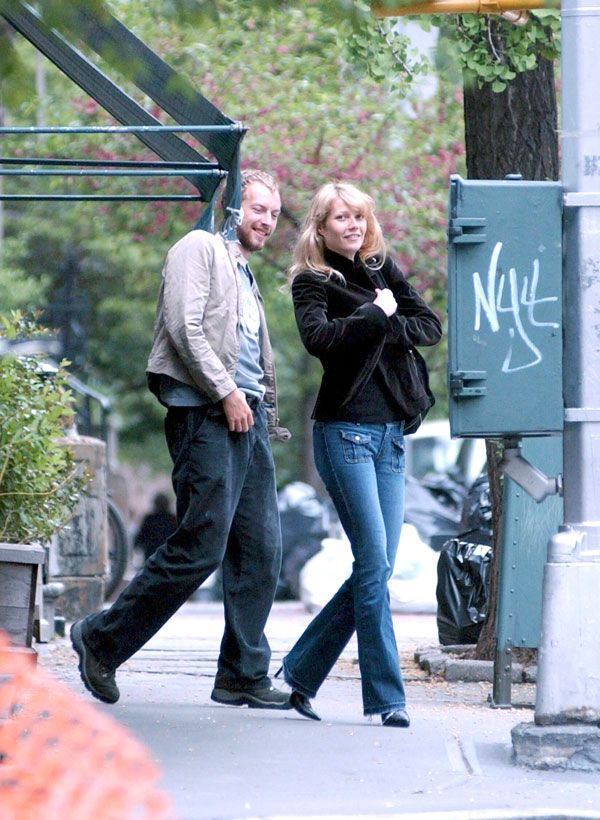May 8, 2003 Gwyneth — with a ring on her finger — and Chris leave Tartine in West Village, New York City.