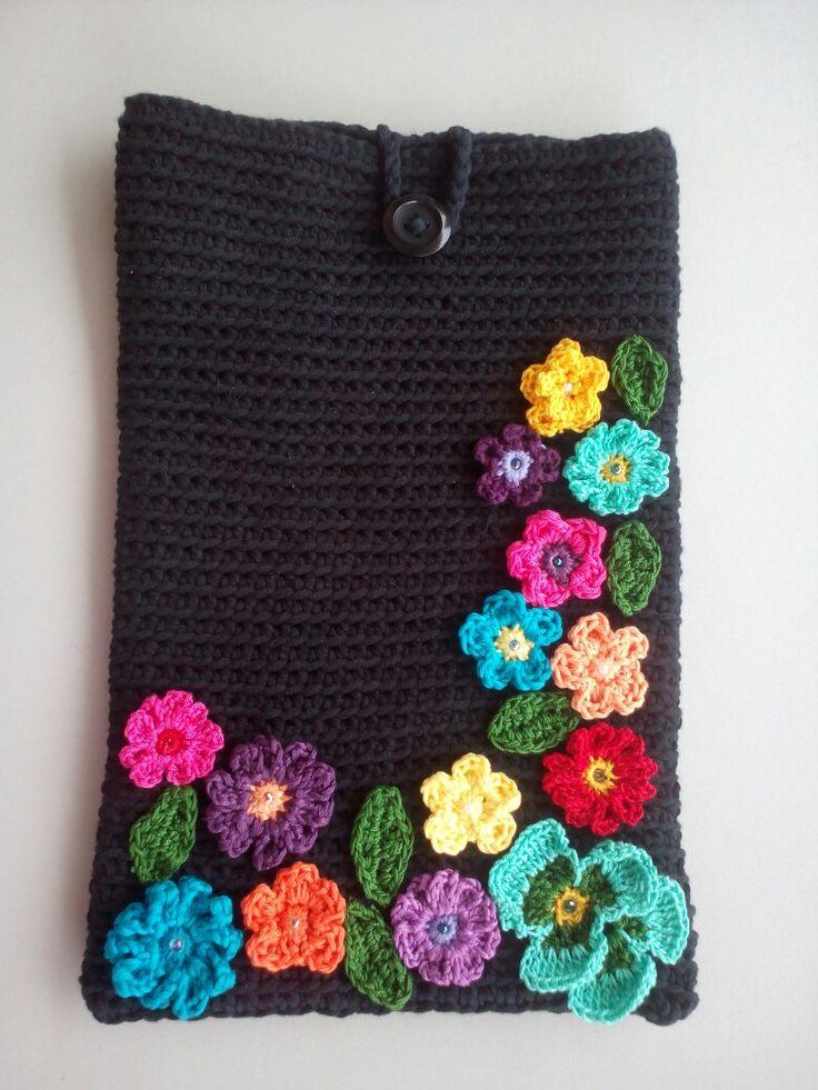 Custodia per tablet,all'uncinetto con fiori