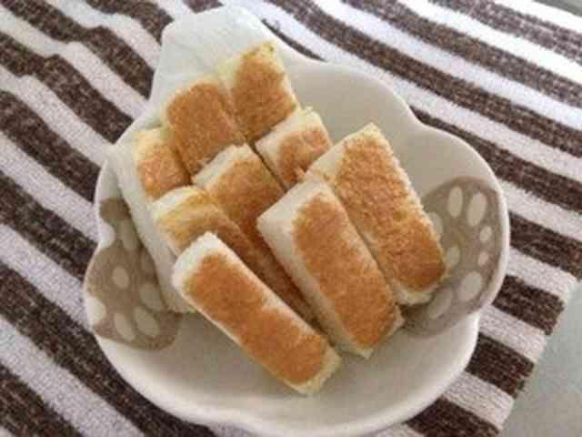 離乳食後期*手づかみで!きな粉パンの画像