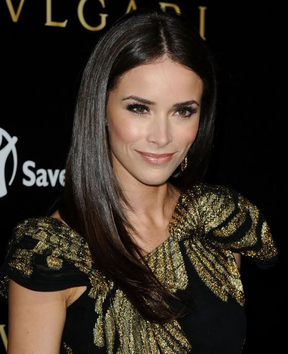 Abigail Spencer, love the color