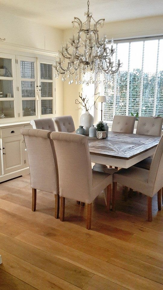 10 Splendid Square Dining Table Ideas