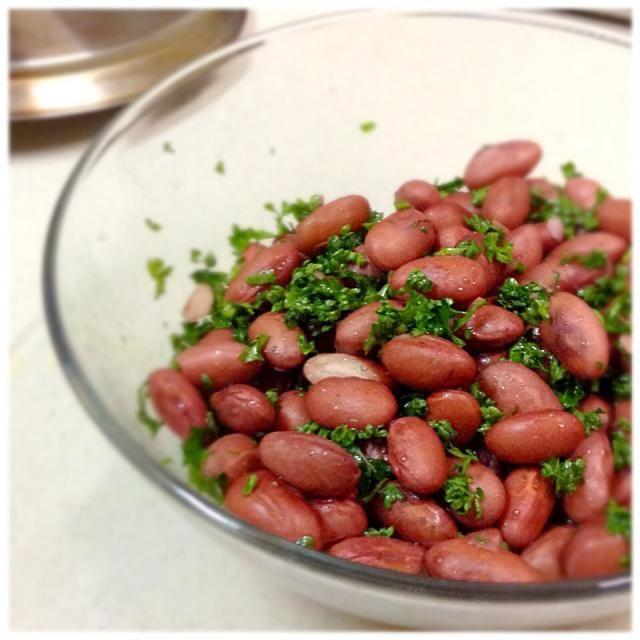 本来はタマネギのみじん切りが入りますがきらしていて今回なしです。 - 18件のもぐもぐ - 金時豆のサラダ by sumida