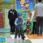Tor przeszkód dla dzieci do jazdy na rowerku biegowym, hulajnodze, jeździki lub deskorolce. Rowerki biegowe Puky LR dostępne w sklepie AktywnySmyk.pl http://www.aktywnysmyk.pl/39-rowerki-biegowe-puky