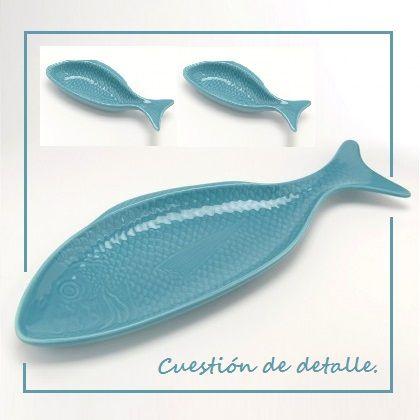 Fuente (50x18) y cuencos (20x7) de cerámica turquesa en forma de pez.