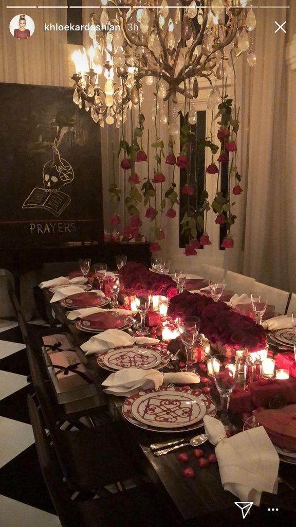 Kris Kardashian Christmas Decoration 2020 Kim, Khloé & Rob Kardashian Enjoy Kris Jenner's Valentine's Dinner