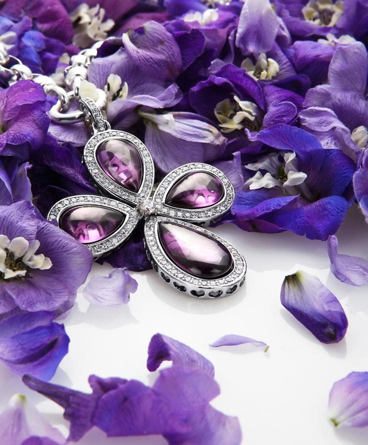 Kagi Enchanted Primrose Pendant