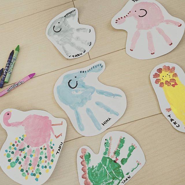 やってみたかった子供達の手形アート♡ なかなか可愛くできた♡玄関に飾ろー♡ #手形アート#手形#足型アート#足型#動物#ぞうさん#わに#らいおん#上手くできた