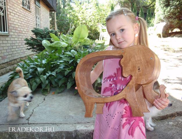Óriás elefántpersely. További információk katt a linkre >> http://eradekor.hu/malacpersely-allatpersely-kezmuves-ajandek-gyerekeknek/
