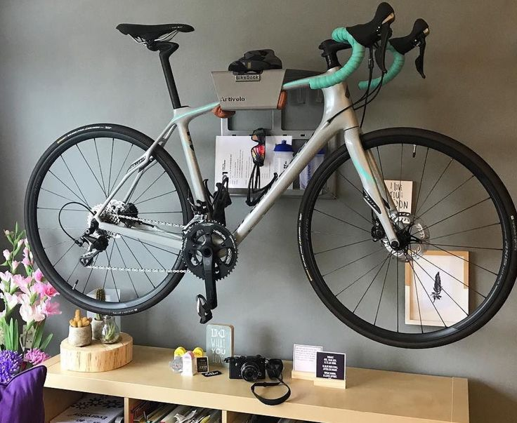 Look at your bike in a different way like Linda #interior #interiordesign #interior123 #roads #bikeride #outsideisfree #whyweride #cycling #cyclinglife #cyclingphotos #cyclingshots #stravacycling #roadcycling #igerscycling #bikelove #velolove #bicycle #roadbike #bici #ciclismo #rapha #cyclocross #instacycle #instacycling #bicicleta #fixie #triathlon #artivelo #specialized #iamspecialized 