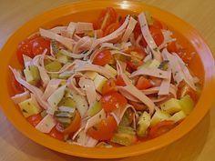 Leichter Wurstsalat, würzig - pikant, auch als fettarme Variante sehr lecker, ein sehr leckeres Rezept aus der Kategorie Eier & Käse. Bewertungen: 46. Durchschnitt: Ø 4,3.