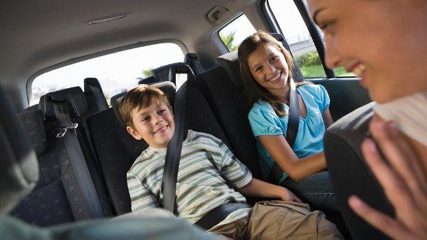 Jetzt lesen: Kinder im Stau beschäftigen: Tipps für Familien - http://ift.tt/2tfYuAq #aktuell