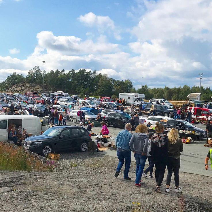 Folksomt på bagasjeromsmarkedet!