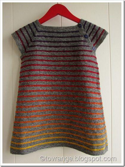 Gradient yarn stripes on grey