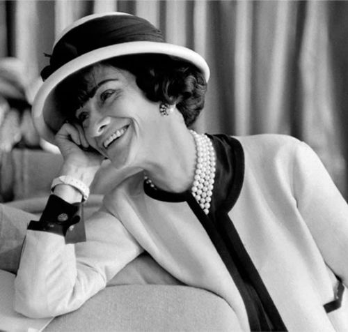 """A girl should be two things: classy and fabulous.""- Coco Chanel: Coco Chanel, Fashion Icons, Style Inspiration, Black White, Style Icons, Fashion Quotes, The Dresses, Inspiration Quotes, Cocochanel"